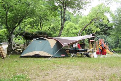 やすらぎ村2日目_小川張り真横から4451.JPG