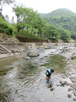 やすらぎ村2日目_川遊び4445.JPG