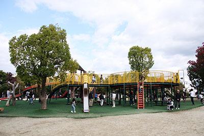 久宝寺緑地_もくもく広場_3990.JPG
