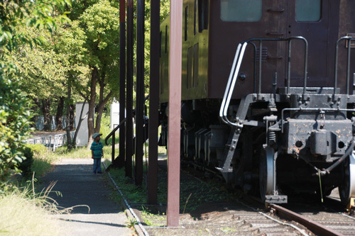 新幹線公園_奥にひと組2454.JPG