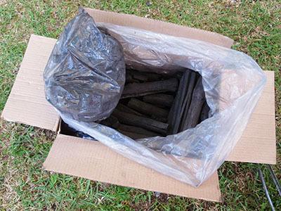 木炭_サウスフィールド6kg_1444.jpg