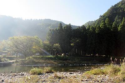 美山2_3905_朝の川原の風景.JPG