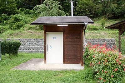 細野渓流1_サイトのトイレ_6295.JPG