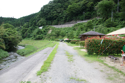 細野渓流1_サイト川沿い_6262.JPG